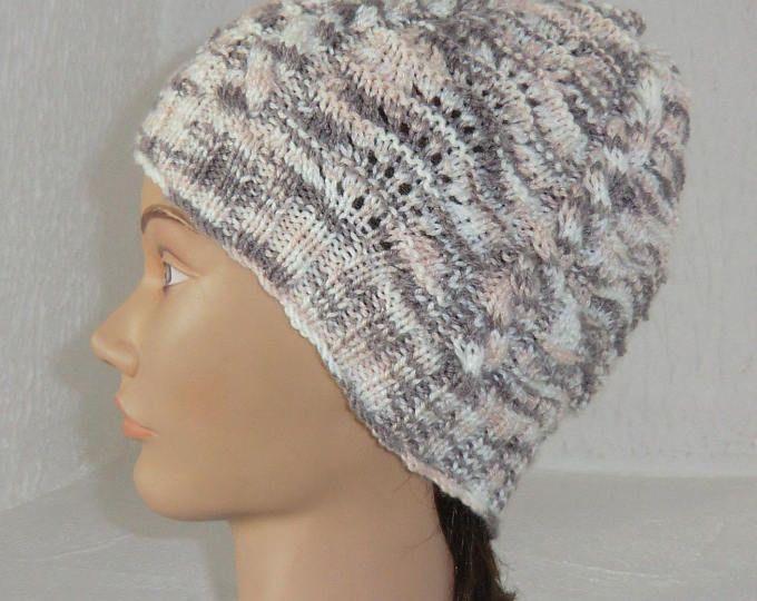 Bonnet Fantaisie - Femme - En laine chinée - Couleurs d'été - Point ajouré et torsades - Tricoté à la main