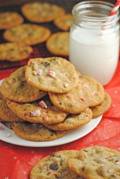 Peppermint Chocolate Chip Cookies ~ Day #2 of #ChristmasWeek! | Juanita's Cocina