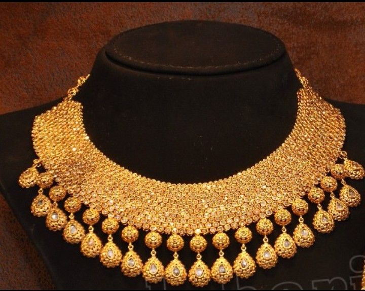 Gold and diamond necklace set..