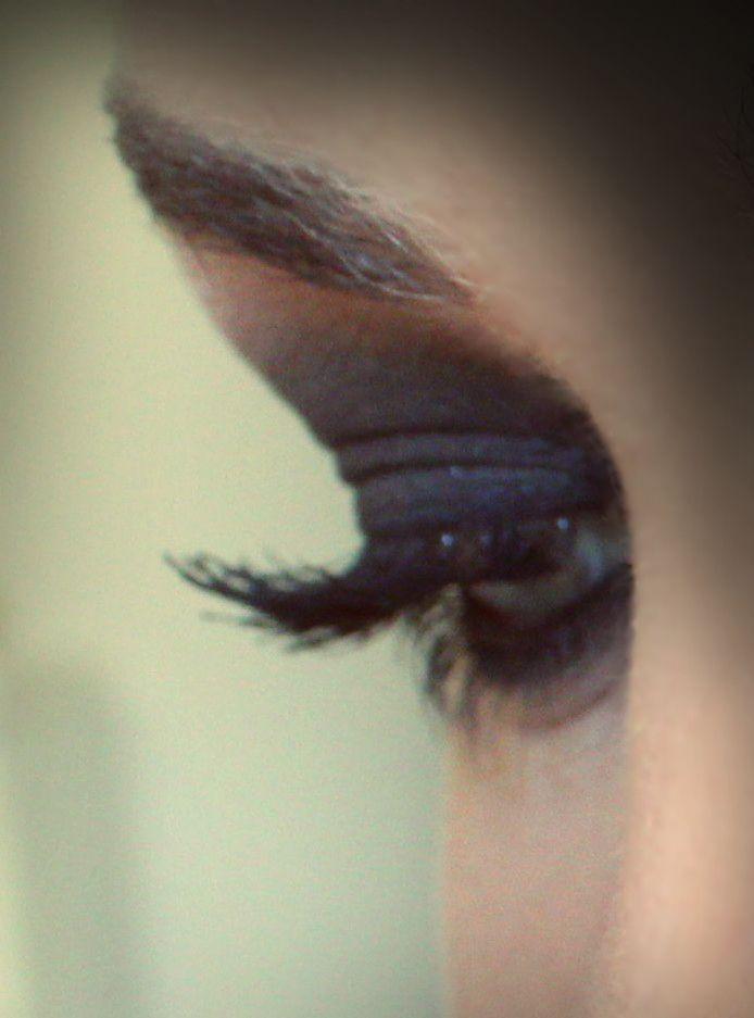 ...smoky eyes...