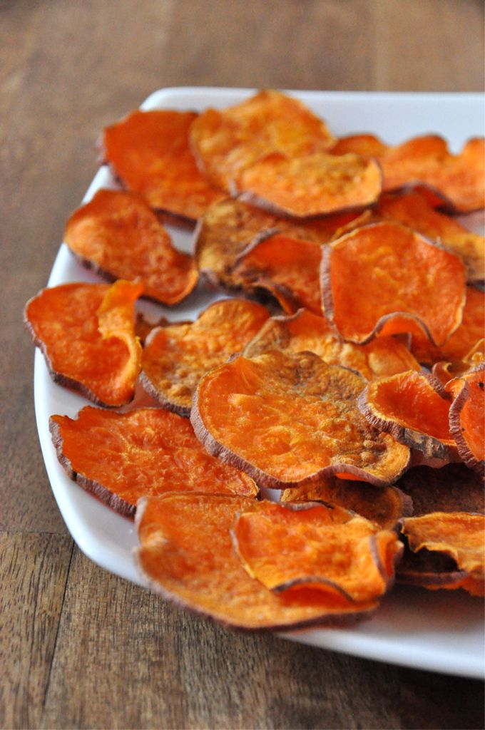 Easy Baked Sweet Potato Chips: I have tried sweet potato chips before but they are always to soggy for me, seems the trick is to cook for a long time, 2 hours at 300, well I have a bag of sweet potatoes in the pantry so we shall see :)