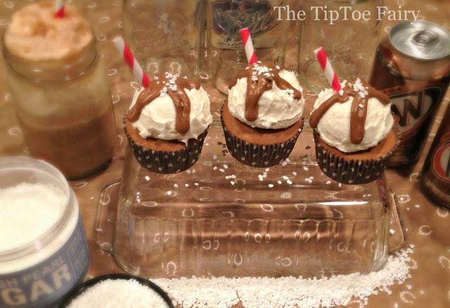 Root Beer Float Cupcakes - The TipToe Fairy