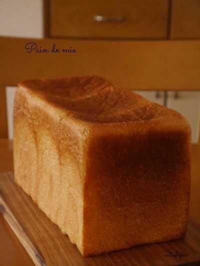 初焼きのパン・ド・ミ♪ ホップ種起こし48時間経過。 by apirara ... 初焼きのパン・ド・ミ♪ ホップ種起こし48時間経過。