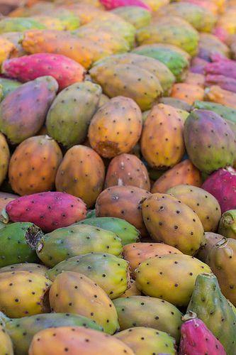 Fico d'india. Sicily, Italy. Art, food, traditions and history by Luca Serradura.  www.lucaserradura.com