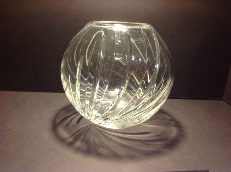Vintage centerpiece crystal rose bowl round vase cut glass