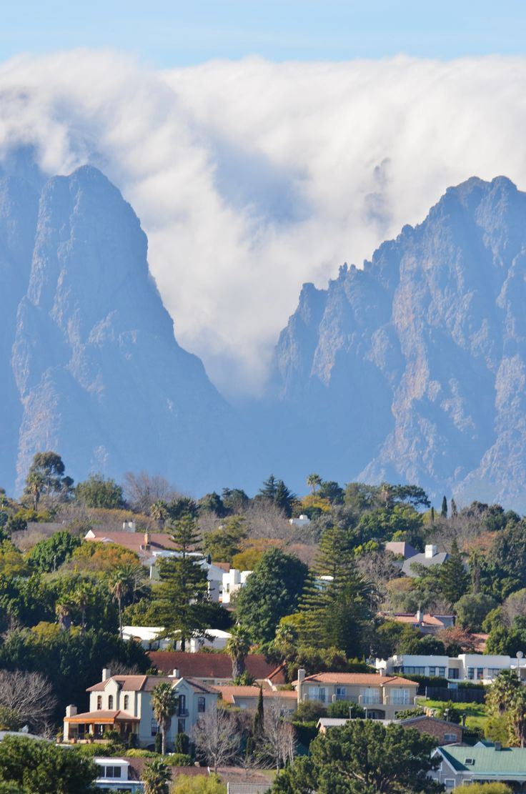 """The Hottentots-Holland mountain range behind Somerset West (Cape Town) was covered yesterday in a beautiful """"scattered cloud"""" formation.  #somersetwest #capetown #clouds #cloudformation #mountain #mountainrange #hottentotsholland"""