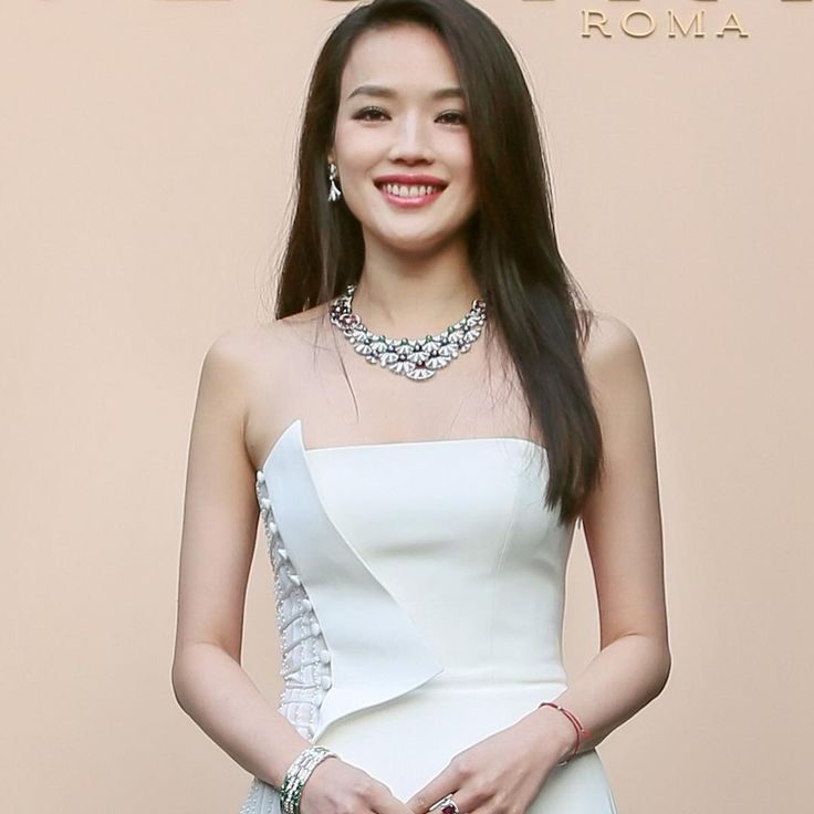 "10.3 k mentions J'aime, 36 commentaires - BVLGARI (@bulgariofficial) sur Instagram : ""Bulgari Brand Ambassador Shu Qi shines wearing Bulgari High Jewelry at the #MagnificentInspirations…"""