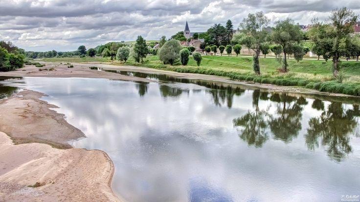 Hermoso cliché de Pouilly-Sur-Loire!! Preciosa, no?!