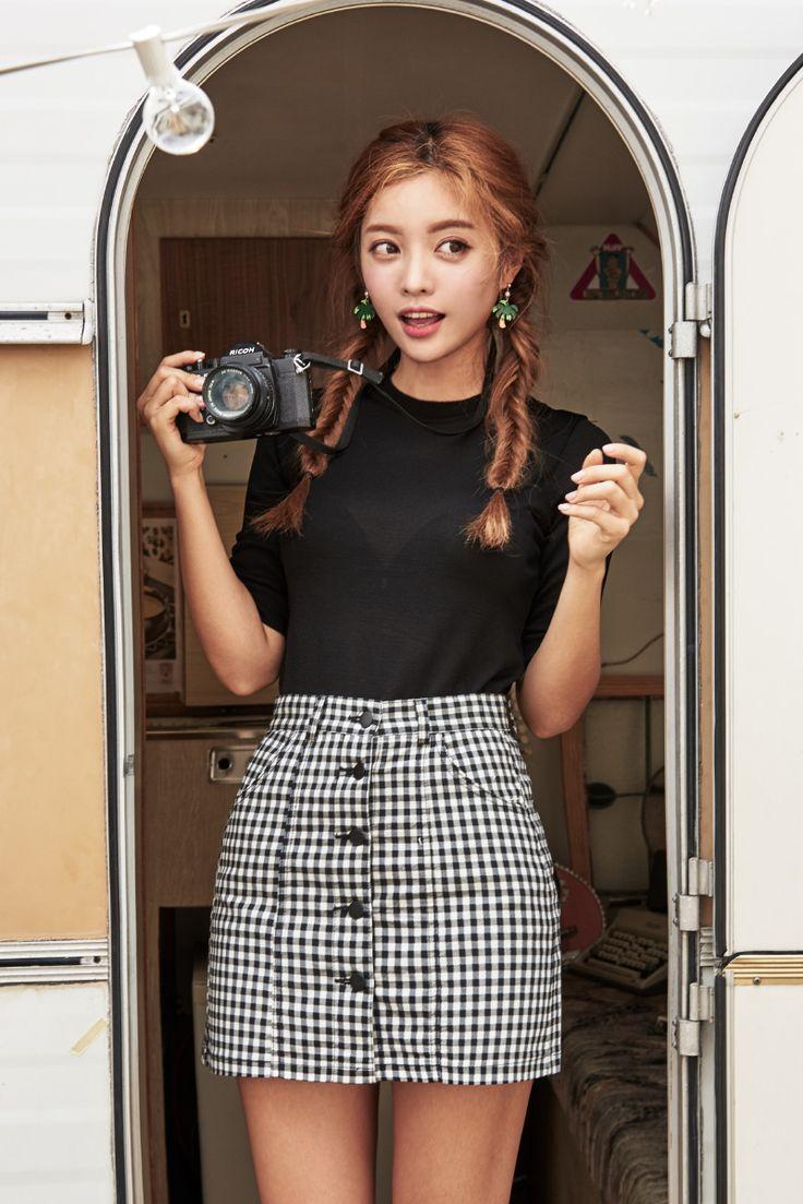 Gingham Button-Down Mini Skirt CHLO.D.MANON | #gingham #skirt #summerlook #cute #koreanfashion #kstyle #kfashion #seoul
