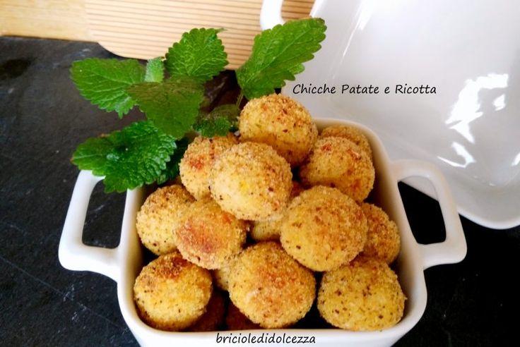 Chicche Patate e Ricotta!  Ecco una ricettina sfiziosissima, le chicche di patate e ricotta! Una tira l'altra e finiscono in un attimo...
