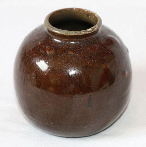 Pottery 't Kruikje (Putten, Holland), vase by Franz Rudolf Wildenhain and Marguerite Friedländer, 1933-1940.