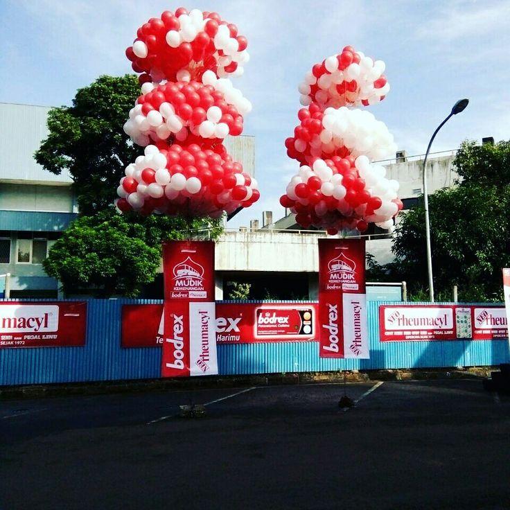 Surya Balon Menjual balon gas hidrogen dan helium , untuk berbagai event , harga sangat murah .