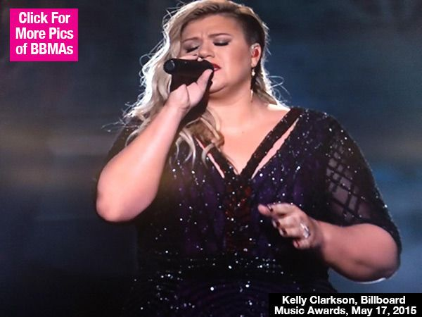 Kelly Clarkson Sings Stunning 'Invincible' At Billboard Music Awards