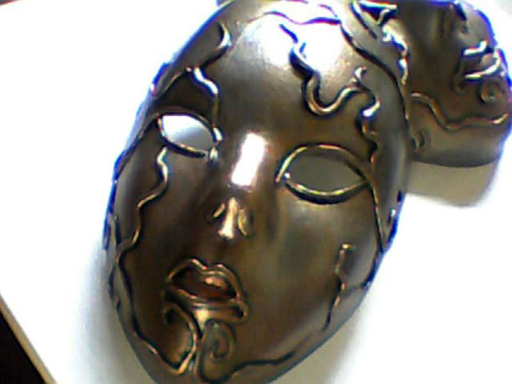 mascaras de  ceramica al frio  , con pintura metalizada