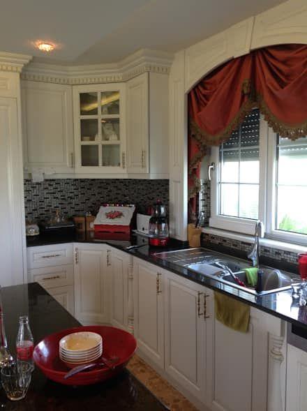 Attelia Tasarim – VİLLA K: klasik tarz tarz Mutfak