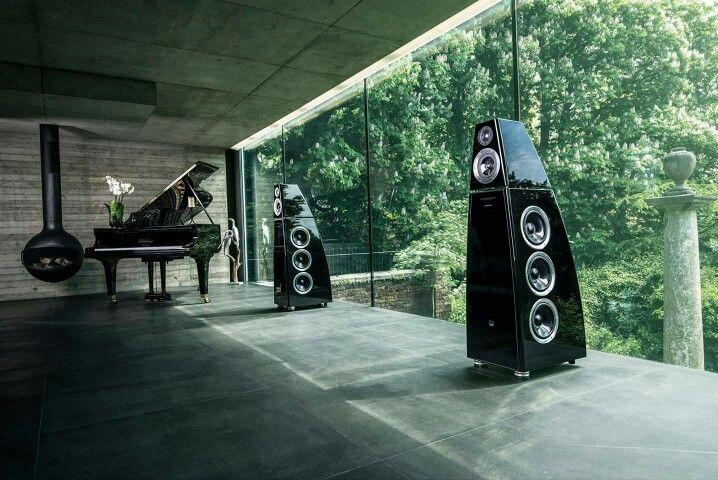 Meridian DSP 8000 active DSP speaker system