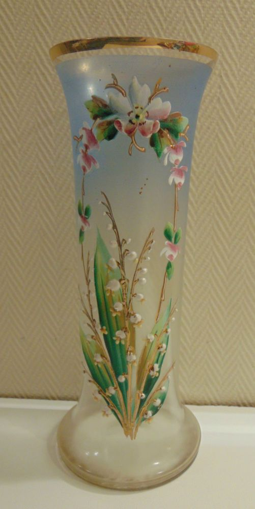 ancien vase vert verre maill legras en cristal motifs fleurs de muguet art vases legras. Black Bedroom Furniture Sets. Home Design Ideas