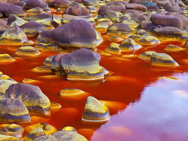 Il Rio Tinto (Fiume Rosso) è un fiume del sud-ovest della Spagna,