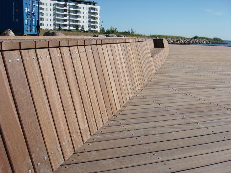 Azobé til badebro ved Tuborg Havn - et projekt for Carlsberg Ejendomme i Hellerup. Hårdttræ forhandlet af Keflico A/S.