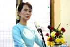 Aung San Suu Kyi's  Greeting National League for Democracy's Press Conference