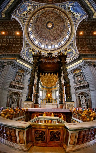 Roma · El Vaticano . BASÍLICA DE SAN PEDRO. CON EL BALDAQUINO DE BERNINI