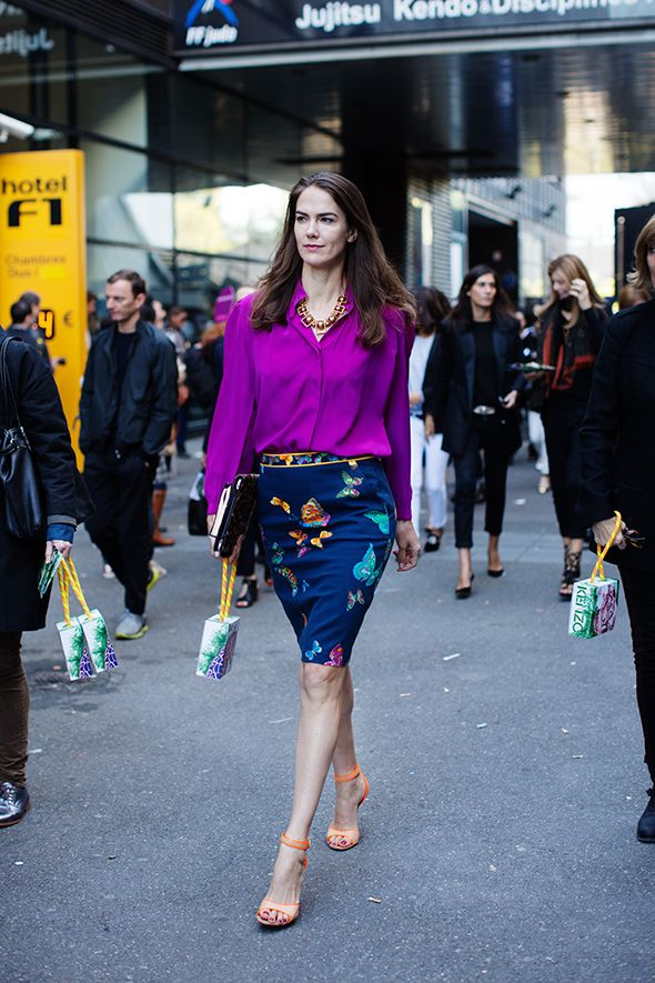 wow ! i love these types of colorful looks..i love the floral skirt that she is wearing