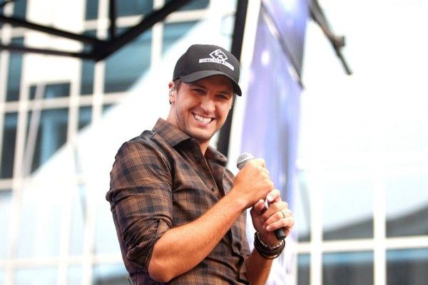 Luke Bryan to 'Kill the Lights' on New 2016 Tour Dates