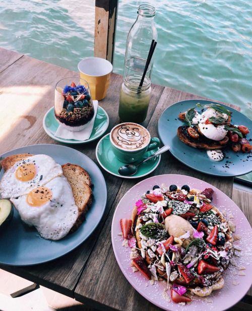 Esmorzar al mar. 🍝🍞