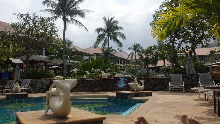 Poolside Bandara