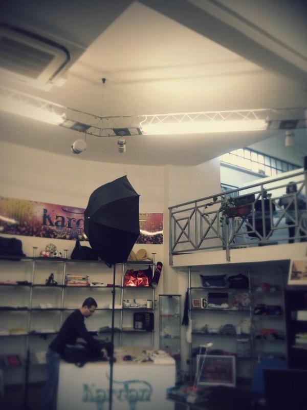 #photoshooting time nello showroom Decografic di Lerca, subito sopra il mare di Cogoleto! Ecco come raggiungerci: http://www.decografic.com/contatti #Decografic #DecograficGenova #stampadigitale #gadget #graphicdesign #web