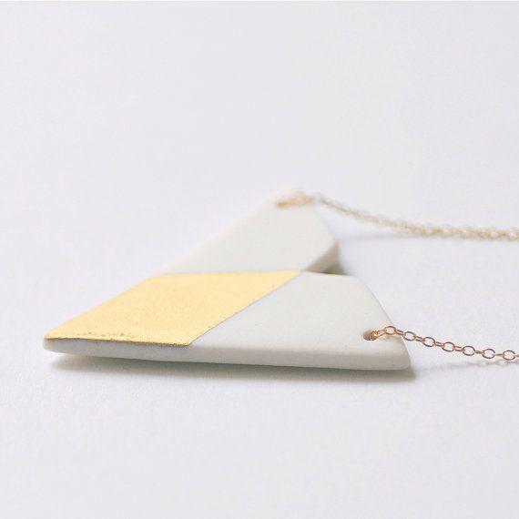 N a ï a - Simple geometric jewelry - Unglazed white porcelain necklace & matt fine gold - Triangle and diamond shaped - Eleïa Collection