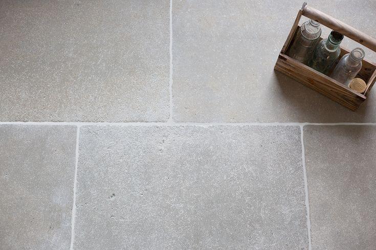 Clermont gris aged tumbled limestone tiles mystonefloor