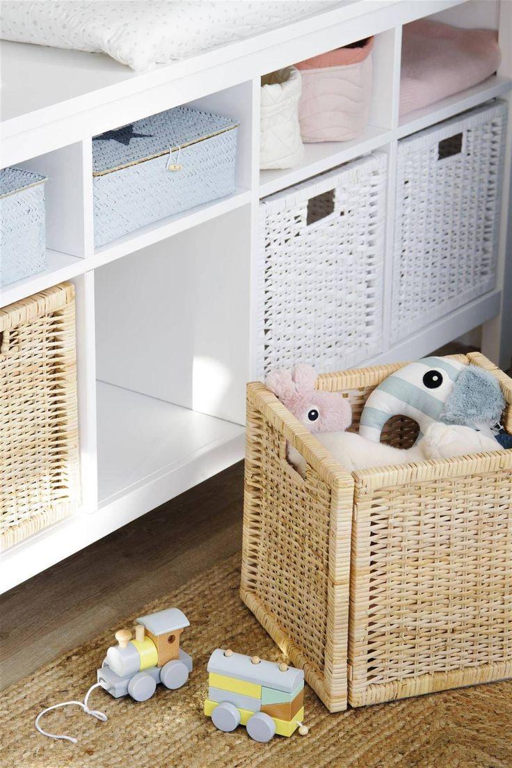 Orden en la habitación infantil Diy Toy Box, Toy Boxes, Unique Diy Toys, Made To Measure Furniture, Small Bathroom Organization, Green Rooms, Porch Decorating, Bed Design, Wood Pallets