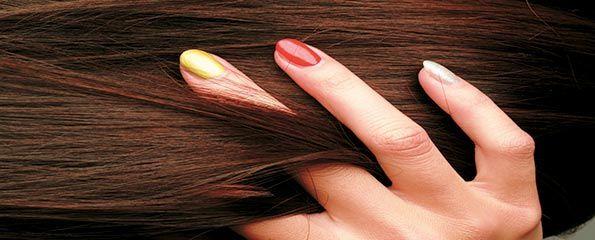 - ASTUCES CHEVEUX TERNES - Une belle chevelure est une chevelure qui brille, qu'à cela ne tienne ! La camomille ainsi que la fleur d'oranger sont utilisées dans de nombreux produits capillaires tout simplement parce que ces plantes apportent brillance et éclat aux cheveux. Utilisez la Camomille pour cheveux blonds et la fleur d'Oranger pour les cheveux bruns. La suite : http://www.astussima.com/cheveux-ternes.html