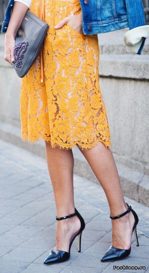 Кружевные юбки в уличной моде