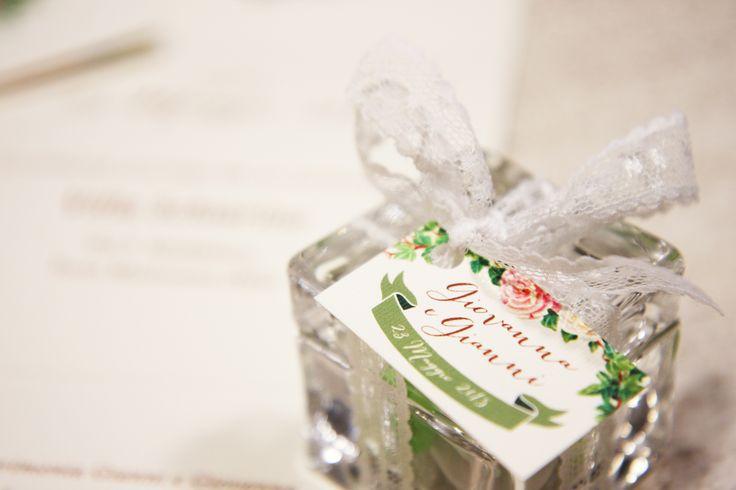 Wedding invitation <3 #wedding #invitation #love #weddingcoordination #matrimonio #invito #bridal #bride #nozze #partecipazione #romanticstyle #romantico #flower #fiori #ghirlanda #colori pastello #blackbeans #verona #graphicdesign #spose #sposa #candy #confetti