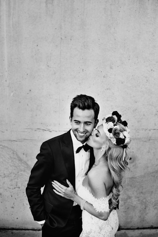 #piqsell studio #wedding #session #bride #curly hair #beautiful girl #photo session #portrait #wedding dress #groom #handsome #kiss #amazing