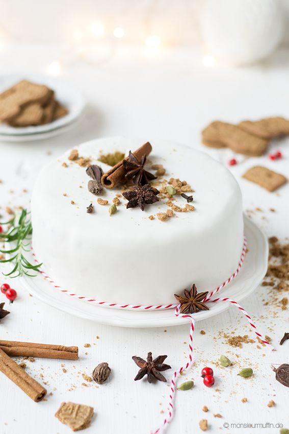 Zum großen Finale des Adventskalenders gibt es heute ein Rezept für eine Spekulatiustorte. Feiner Vanillekuchen mit Spekulatiuscreme und Fondantüberzug.