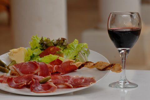 Tu compañía es vital para mí. #vino #Azpilicueta #wine #winelover #winery #bodega #TiendasOnline #Gourmet #bottleandcan #Granada #Andalucia #Andalusia #España #Spain www.tienda.bottleandcan.com 🍷🍴 📞 +34 958 08 20 69 📲 +34 656 66 22 70