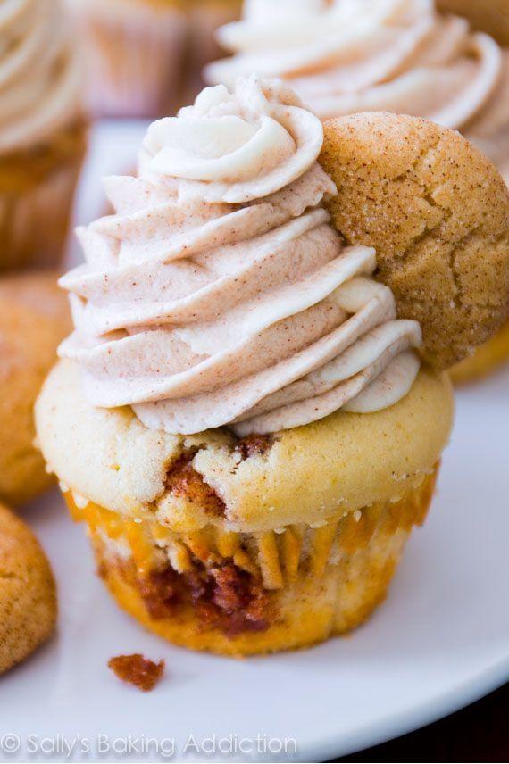 Snickerdoodle Cupcakes mit Zimt Windung Zuckerguss