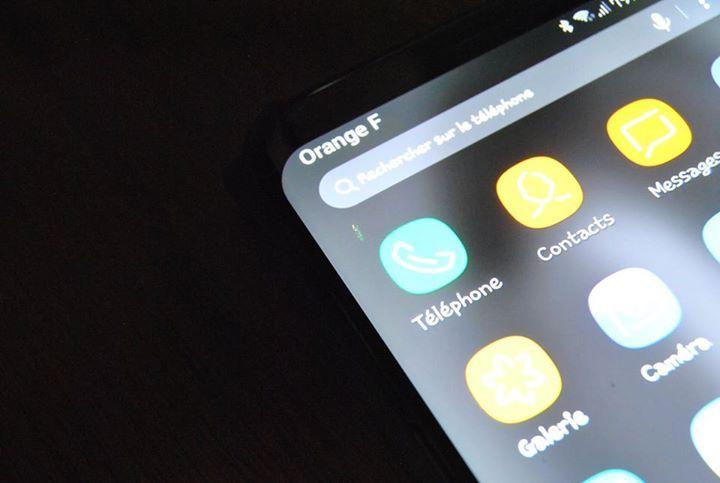 triste quand meme au bout d'a peine quelque mois les pixels commence déja a dégagé :(  Samsung France Samsung Mobile France  je parles d'un Samsung Galaxy S8+ 64Go acheté neuf ... avec la protection qui va bien ... ceci apparait et grandit petit a petit et orange france ne prends pas ceci en charge en garantie ... je le jete déja a la benne ?