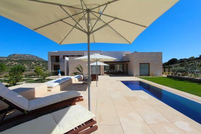 Mieten Sie Ihre exklusive Finca und Villa von privat bei puro- mallorca - puro-mallorca bietet über 400 exklusive Fincas, Villen und Ferienhäuser auf Mallorca und Ibiza zur Ferien und Langzeit Miete