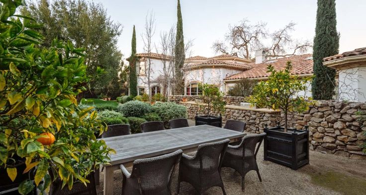 """Jeri Ryan, known to Trekkies around the world as the liberated BorgSeven of Nine, is listing her longtime home in Southern California for $6.999 million. """"My son is grown and out of the house now, and after 15 years in our beautiful home, we're ready for a change and a new adventure,"""" the actress said in a statement. The 1.44-acre Encino estateexhibits Ryan's strong Francophile tendencies. """"It literally feels like your own resort in the south of France,"""" said Alan Taylor..."""