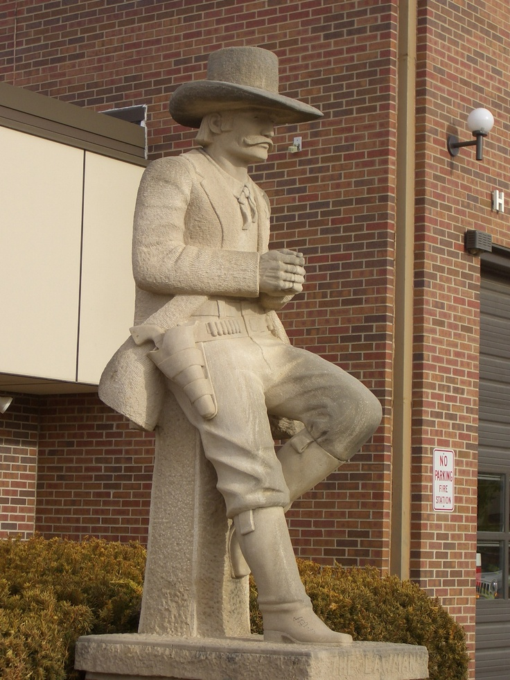 Lawman statue by Pete Felten in Hays, KS.