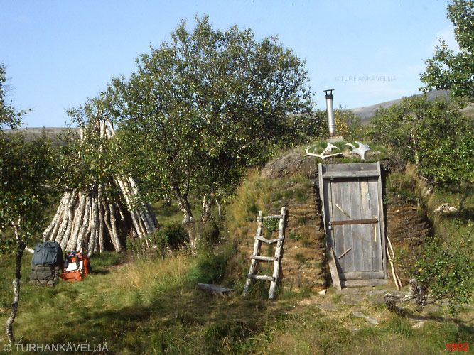 how to build a bush shelter