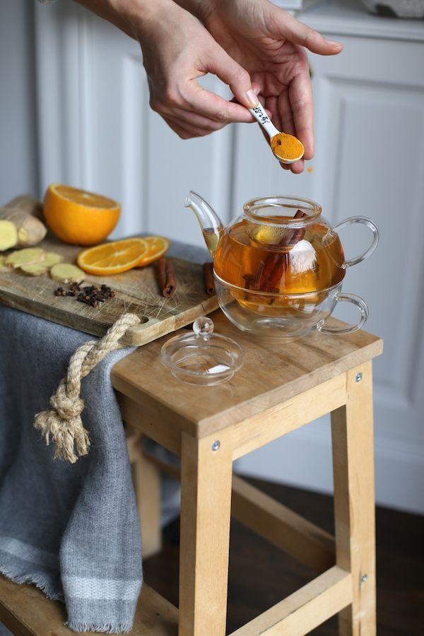 Napar z imbiru, pomarańczy, kurkumy i goździków