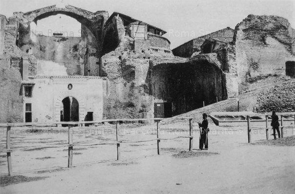 Terme di Diocleziano. Fronte sinistro guardando la facciata. Anno 1860 ca.
