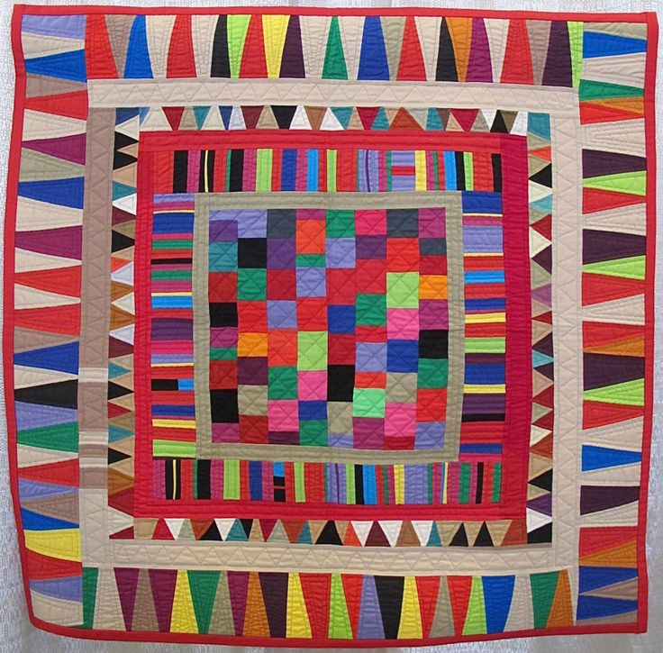 Checkboard Medallion with Sawtooth Border by Gwen Marston