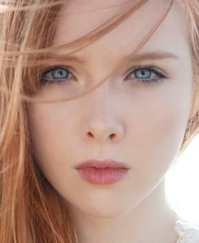 Molly Quinn. Seriously the most beautiful teenager on tv right now in my opinion. - GLENN INSPIRATION