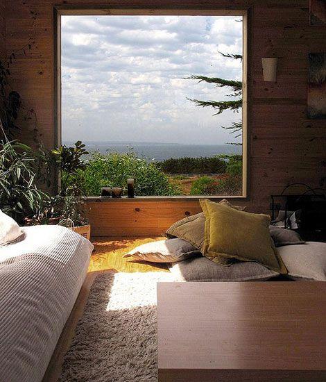 Preciosas las vistas desde el interior de esta casa, tanto que te hace dudar si lo que tienes enfrente es una ventana o un cuadro. http://www.originalhouse.info/catalogo/interiores/